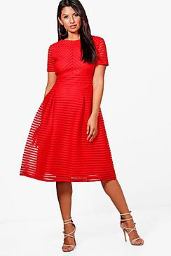 Se  Boutique Full Skirted Prom Midi Dress ved Boohoo.com