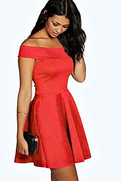 Se  Off The Shoulder Skater Dress ved Boohoo.com