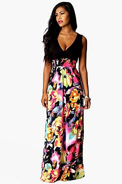 Se  Rose Print Maxi Dress ved Boohoo.com