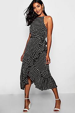 Se  Satin Polka Dot Frill Detail Midi Dress ved Boohoo.com