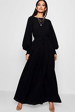 Se  Shirred Waist & Cuff Woven Maxi Dress ved Boohoo.com