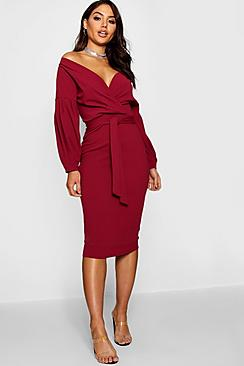 Se  Off the Shoulder Wrap Midi Dress ved Boohoo.com