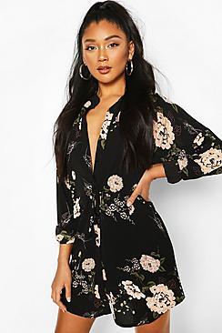 Se  Floral Shirt Dress ved Boohoo.com