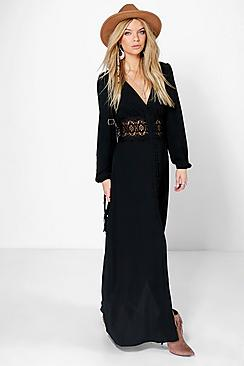 Se  Lace Waist Button Maxi Dress ved Boohoo.com
