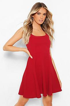 Se  Strappy Skater Dress ved Boohoo.com