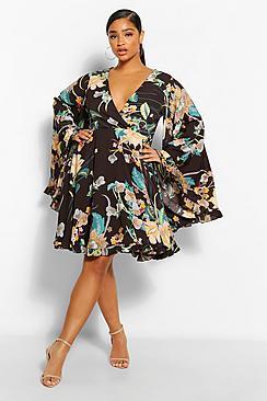 Plus Paisley Floral Wide Sleeve Skater Dress